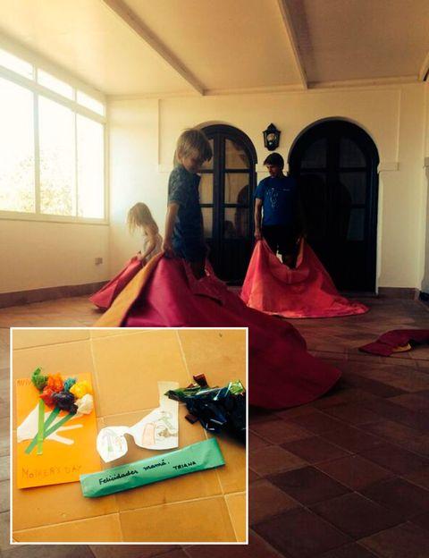 Flooring, Interior design, Hall, Arch, Doll, Window blind, Box, Daylighting, Fruit, Toy,