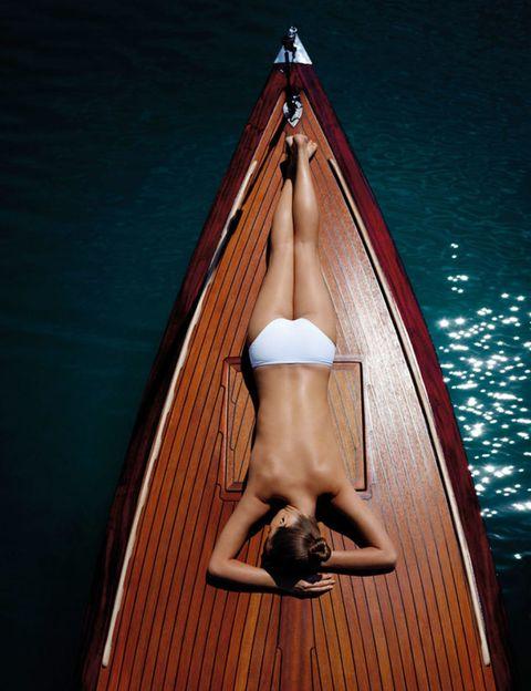 Wood, Brown, Human leg, Boats and boating--Equipment and supplies, Watercraft, Boat, Tan, Toe, Foot, Hardwood,