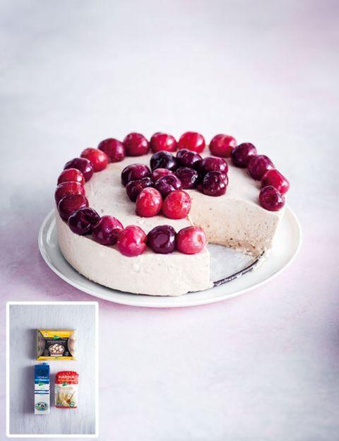 Food, Sweetness, Ingredient, Fruit, Serveware, Dessert, Baked goods, Frutti di bosco, Cuisine, Tableware,