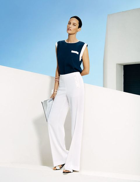 Sleeve, Shoulder, Joint, White, Standing, Style, Elbow, Knee, Fashion, Waist,