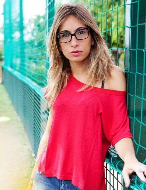 Glasses, Lip, Sleeve, Shoulder, Denim, Jeans, Mesh, Street fashion, Pattern, Beauty,