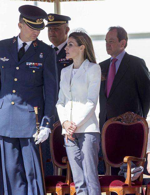 Dress shirt, Cap, Collar, Uniform, Military uniform, Chair, Military person, White-collar worker, Admiral, Blazer,