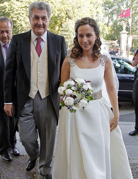 Clothing, Coat, Trousers, Bridal clothing, Shirt, Bouquet, Photograph, Outerwear, Dress, Petal,