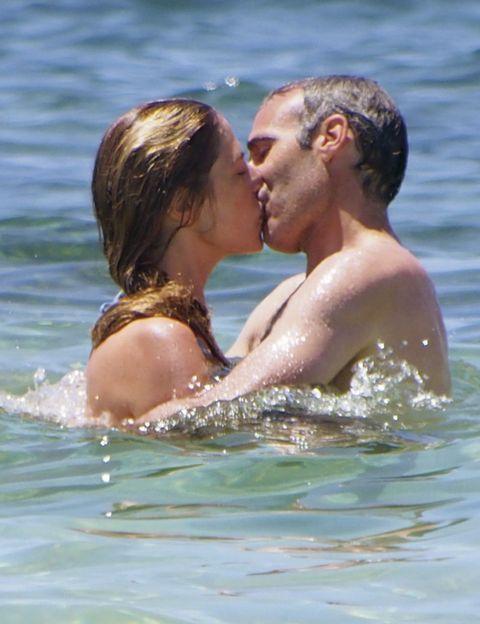Fun, Water, Liquid, People in nature, Summer, Interaction, Romance, Love, Kiss, Beauty,
