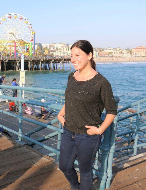 Ferris wheel, Trousers, Denim, Jeans, Tourism, Leisure, Summer, Beauty, Black hair, Vacation,