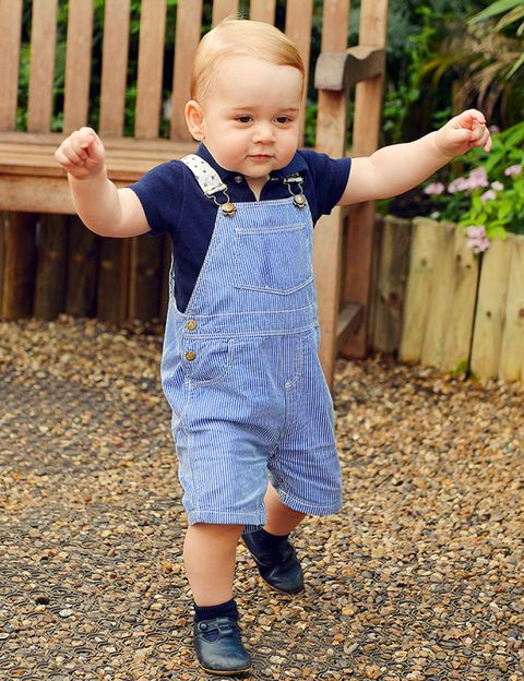 Ear, Mouth, Sleeve, Baby & toddler clothing, Child, People in nature, Pattern, Toddler, Home fencing, Baby,