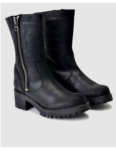Boot, Leather, Riding boot, Work boots, Synthetic rubber, Motorcycle boot, Knee-high boot, Snow boot, Steel-toe boot,