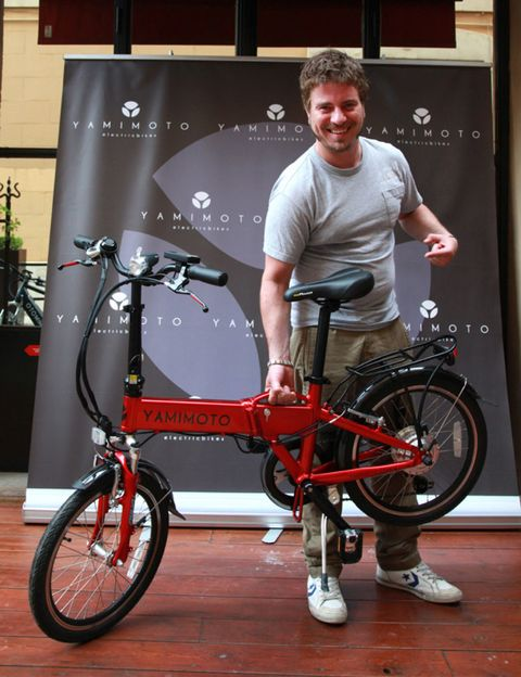 Tire, Wheel, Bicycle tire, Bicycle wheel, Bicycle wheel rim, Bicycle, Bicycle part, Bicycle frame, Spoke, Rim,