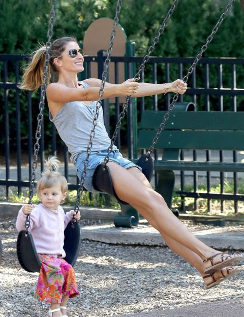 Arm, Fun, Recreation, Shoulder, Swing, Summer, Outdoor recreation, Public space, People in nature, Baby & toddler clothing,