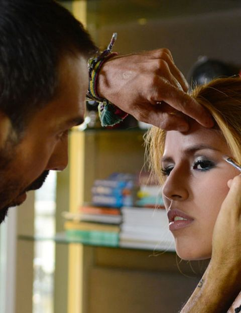 Lip, Hairstyle, Chin, Forehead, Eyebrow, Eyelash, Beauty salon, Jaw, Organ, Temple,