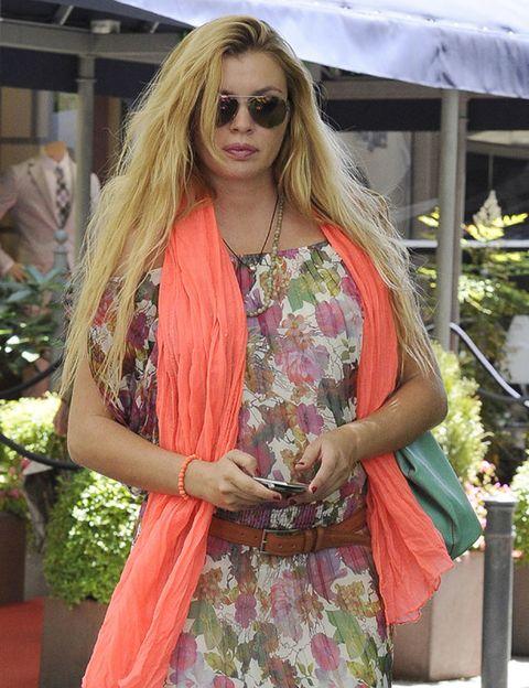 Eyewear, Glasses, Textile, Sunglasses, Style, Fashion accessory, Bag, Jewellery, Street fashion, Blond,