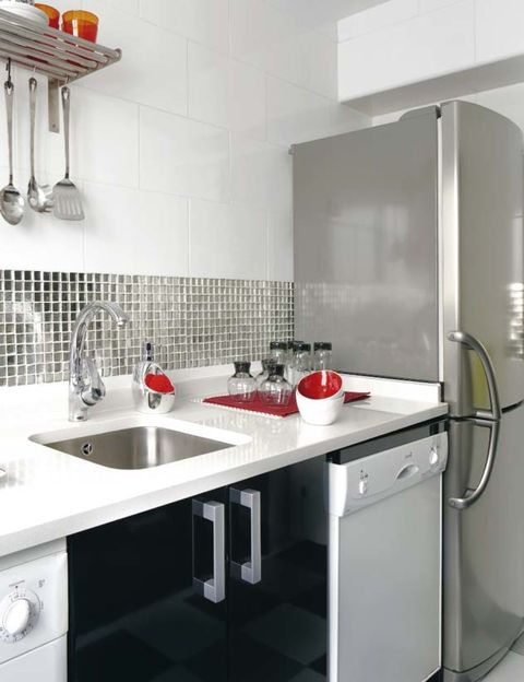Plumbing fixture, Room, Property, White, Tap, Interior design, Kitchen sink, Glass, Sink, Kitchen,