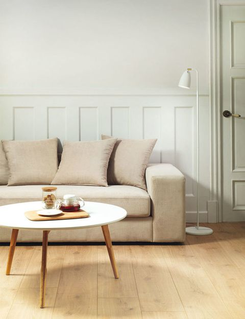 Wood, Brown, Room, Floor, Interior design, Living room, Flooring, Table, Furniture, Wall,