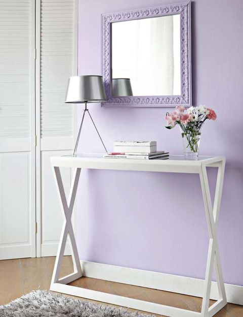 Room, Mirror, Shelving, Grey, Bouquet, Display device, Cut flowers, Still life photography, Flower Arranging, Artifact,