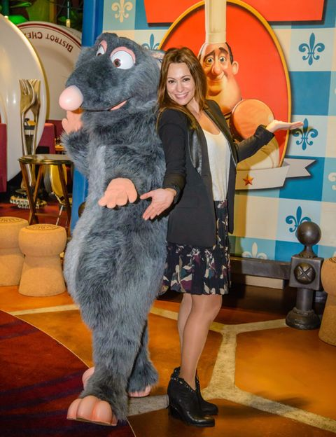 Fur, Mascot, Animal figure, American black bear, Foot, Humour, Plush,