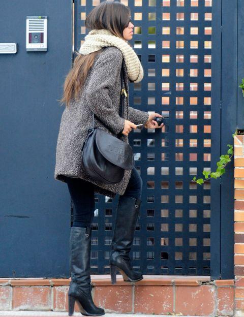 Clothing, Leg, Human body, Textile, Joint, Bag, Outerwear, Fashion accessory, Style, Street fashion,