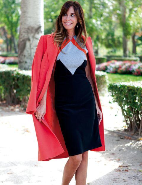 Clothing, Sleeve, Dress, Red, Formal wear, One-piece garment, Street fashion, Bag, Day dress, Fashion,