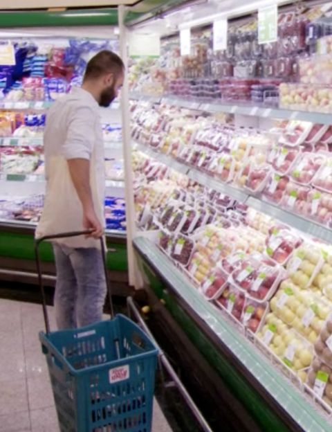 Retail, Convenience store, Supermarket, Grocery store, Customer, Trade, Marketplace, Service, Shopping, Selling,