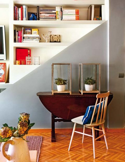 Interior design, Room, Serveware, Floor, Flooring, Wall, Hardwood, Interior design, Wood flooring, Home,