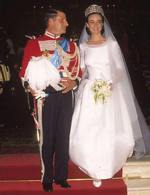 Trousers, Bridal clothing, Dress, Bridal veil, Veil, Formal wear, Wedding dress, Bride, Tradition, Gown,