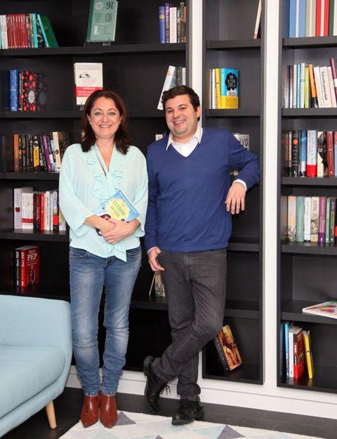 Clothing, Leg, Blue, Smile, Shelf, Trousers, Bookcase, Shelving, Publication, Jeans,