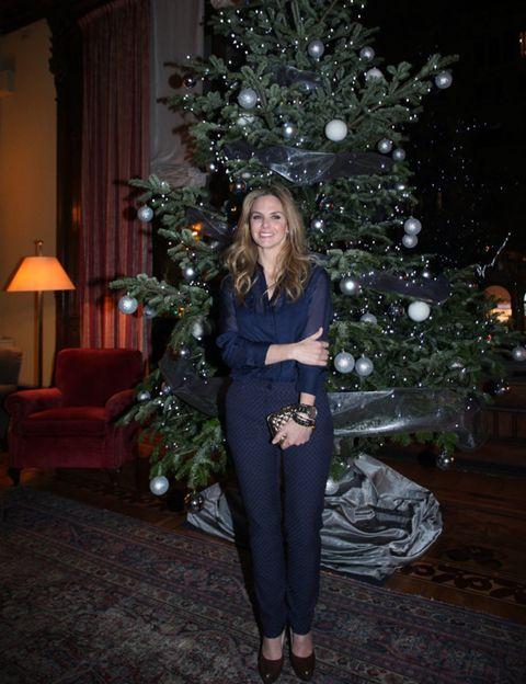 Lighting, Interior design, Christmas decoration, Room, Winter, Interior design, Christmas ornament, Christmas tree, Christmas eve, Holiday,