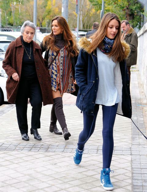 Clothing, Footwear, Trousers, Winter, Textile, Outerwear, Street fashion, Style, Fashion, Denim,