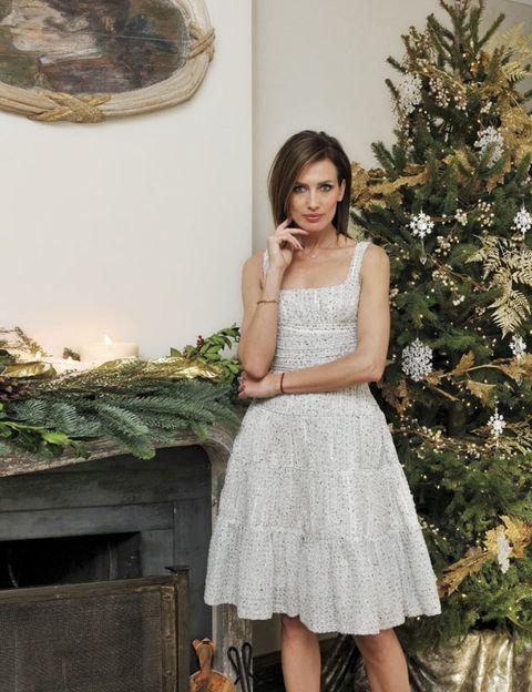 Clothing, Shoulder, Dress, One-piece garment, Waist, Day dress, Beauty, Christmas decoration, Interior design, Evergreen,