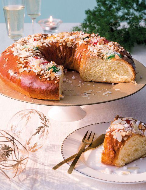 Food, Cuisine, Ingredient, Baked goods, Dish, Dessert, Dishware, Tableware, Plate, Drinkware,