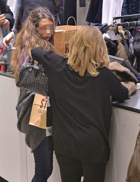 Fashion, Street fashion, Long hair, Bag, Blond, Tights, Brown hair, Back, Hair coloring, Makeover,