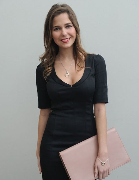 Sleeve, Shoulder, Jewellery, Joint, Dress, Standing, Elbow, Waist, Formal wear, Style,