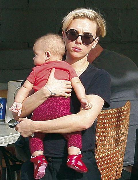 Scarlett Johansson, primeras fotos con su hija