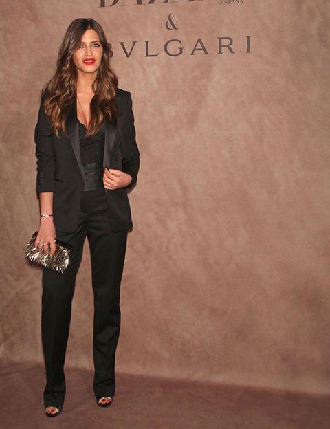 Brown, Sleeve, Collar, Outerwear, Coat, Style, Formal wear, Blazer, Pantsuit, Fashion,