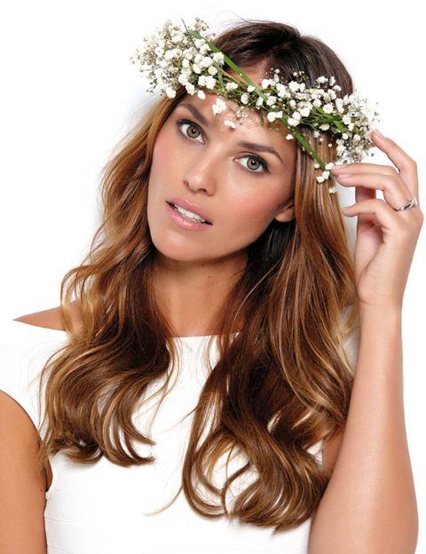 Skin, Shoulder, Hair accessory, Headpiece, Flower, Petal, Headgear, Beauty, Youth, Long hair,