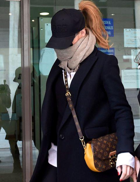 Sleeve, Collar, Outerwear, Coat, Style, Hat, Blazer, Street fashion, Fashion, Jacket,