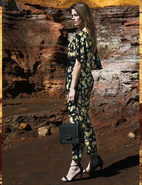 Camouflage, Military camouflage, Khaki, Street fashion, High heels, Bag, Sandal, Fashion model, Foot, Long hair,