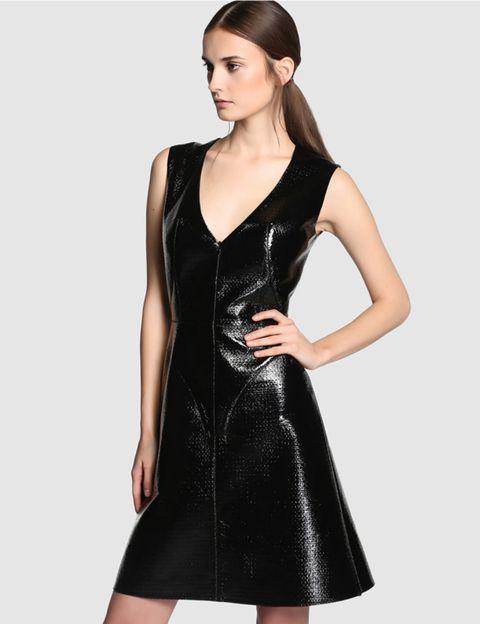Sleeve, Dress, Shoulder, Joint, Standing, One-piece garment, Formal wear, Style, Day dress, Waist,