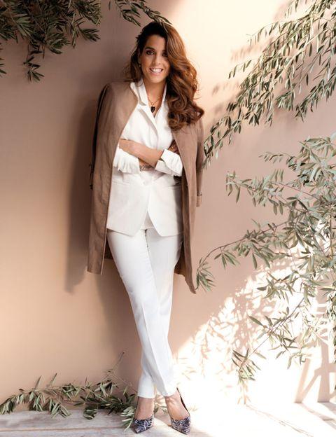Sleeve, Shoulder, Style, Collar, Formal wear, Fashion model, Blazer, Beauty, Street fashion, Model,