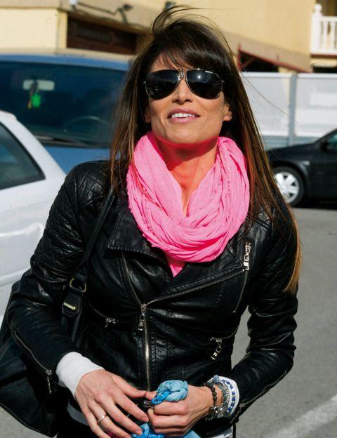 Clothing, Eyewear, Glasses, Vision care, Jacket, Sunglasses, Textile, Outerwear, Style, Street fashion,
