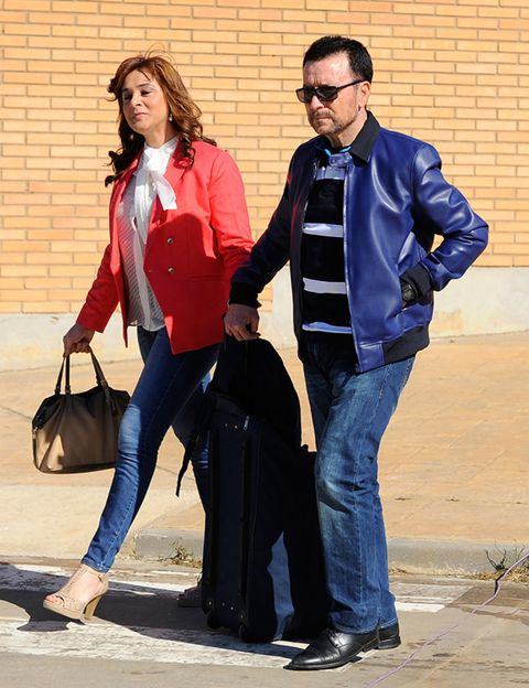 Clothing, Trousers, Bag, Denim, Jeans, Shirt, Textile, Jacket, Outerwear, Coat,