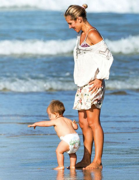 Leg, Fun, Human body, People on beach, Human leg, Barefoot, People in nature, Summer, Ocean, Holiday,