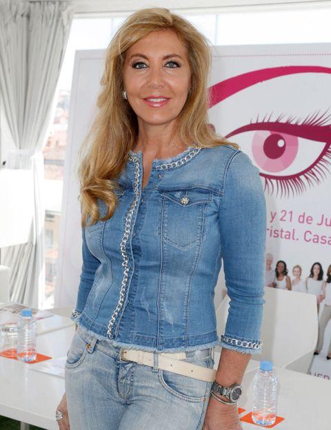 Clothing, Eye, Denim, Sleeve, Jeans, Textile, Pocket, Fashion, Blond, Button,