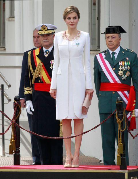 Hat, Uniform, Formal wear, Headgear, Suit trousers, Carpet, Vintage clothing, Fashion design, Admiral, Costume design,
