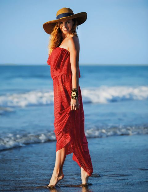 Clothing, Hairstyle, Hat, Sleeve, Human body, Shoulder, Dress, Waist, Summer, People in nature,