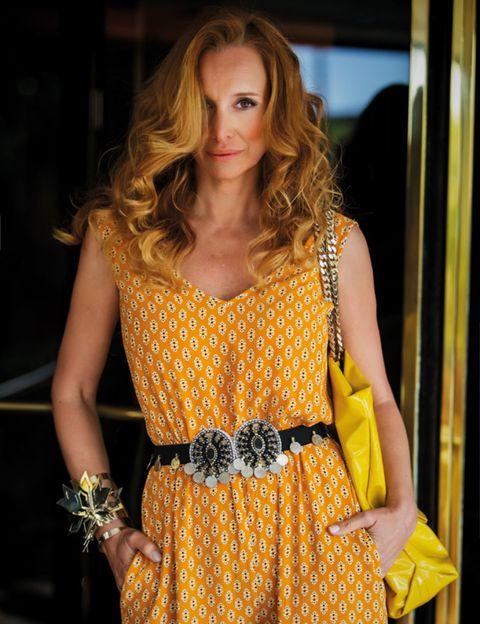 Clothing, Yellow, Dress, One-piece garment, Day dress, Fashion, Street fashion, Brown hair, Long hair, Cocktail dress,