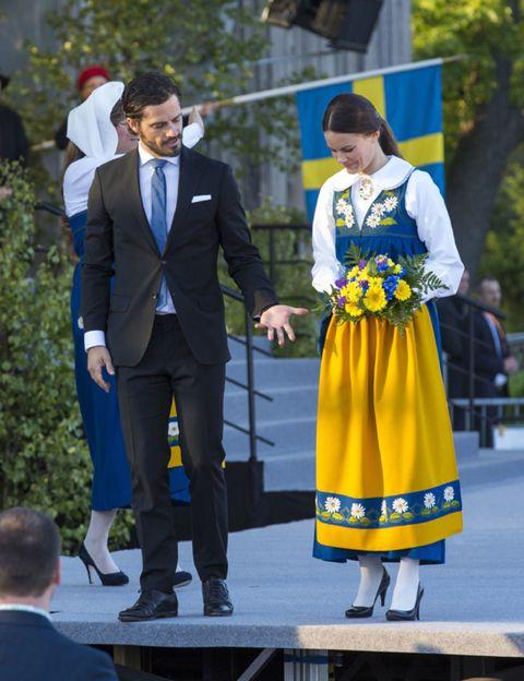 Trousers, Coat, Shirt, Suit trousers, Outerwear, Suit, Dress shirt, Formal wear, Blazer, Electric blue,