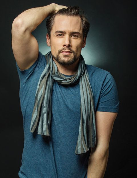 Arm, Mouth, Sleeve, Human body, Chin, Facial hair, Shoulder, Elbow, Joint, Chest,