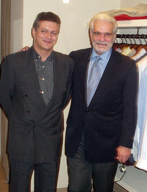 Coat, Dress shirt, Collar, Trousers, Shirt, Standing, Outerwear, Suit trousers, Formal wear, Suit,