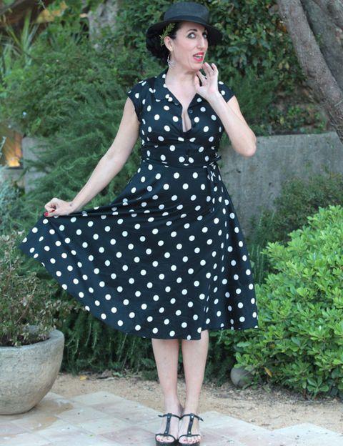 Clothing, Sleeve, Shoulder, Dress, Pattern, Hat, Style, Fashion accessory, Street fashion, Formal wear,