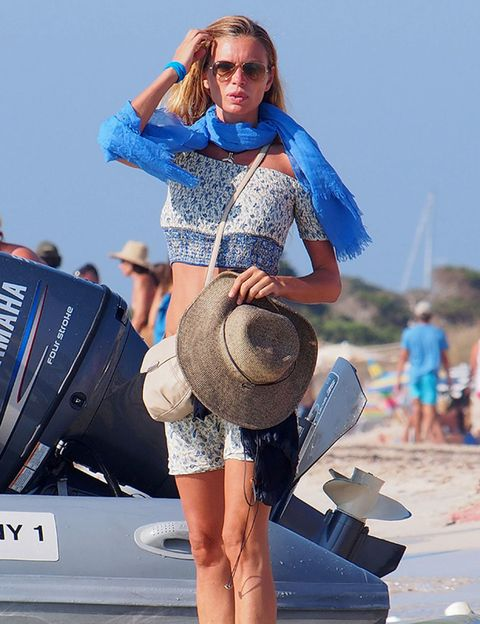 Human, Hat, Shoe, Human leg, Summer, Fashion accessory, Sunglasses, Sun hat, Cowboy hat, Electric blue,